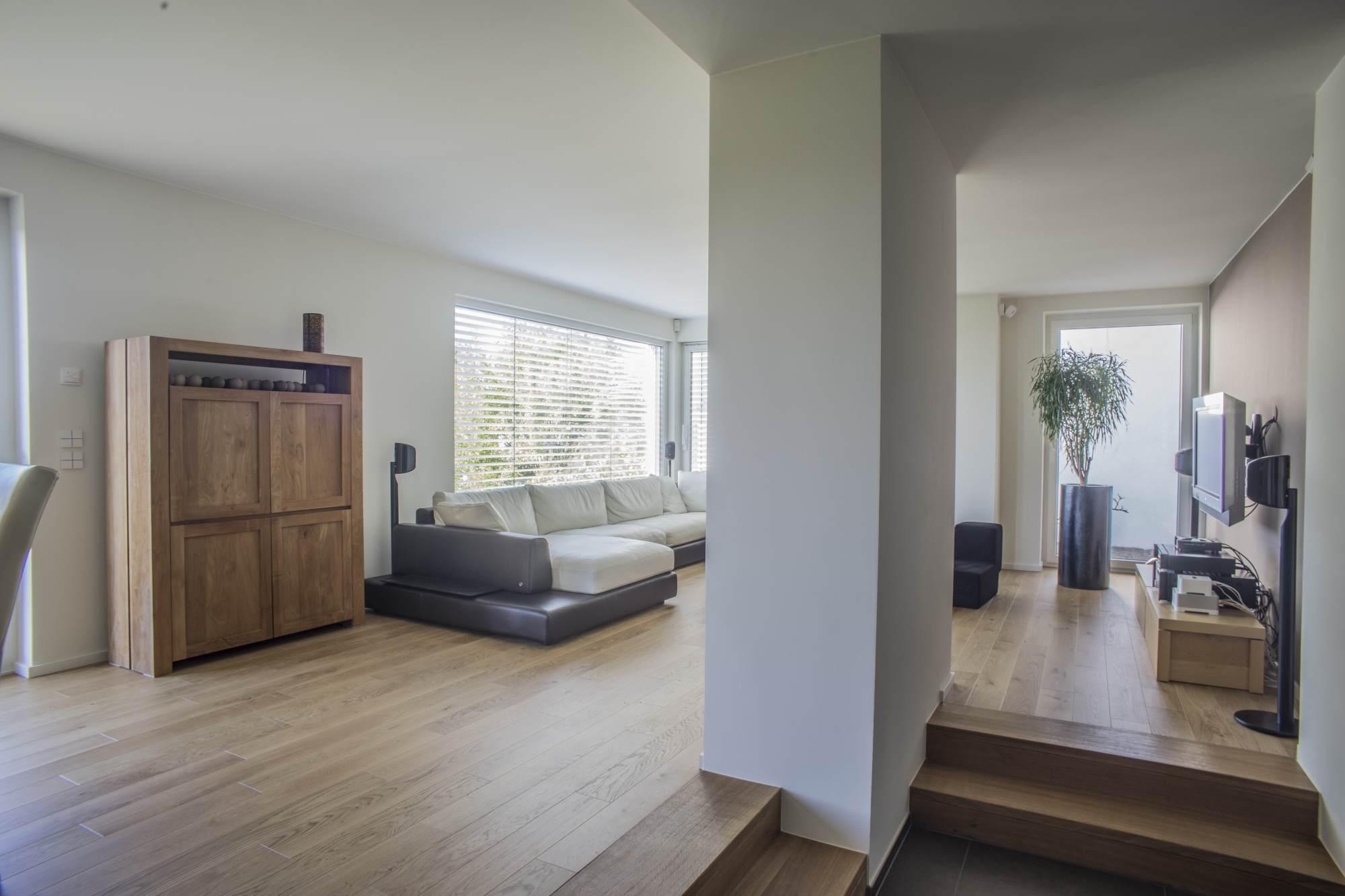 Wandsäule in Gipskarton verkleidet mit Blick in Wohnraum