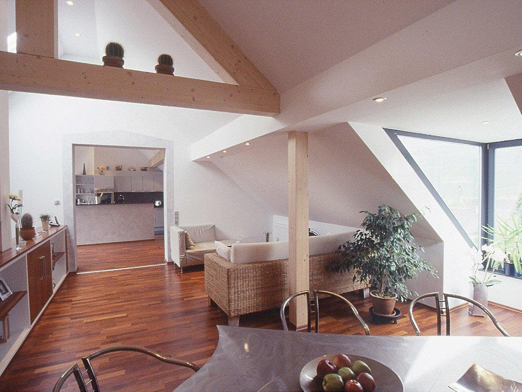 ausgebautes Dachgeschoß in Trockenbau, Gaube mit dreiseitigem Fenster